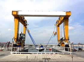 marine-travel-lift-3