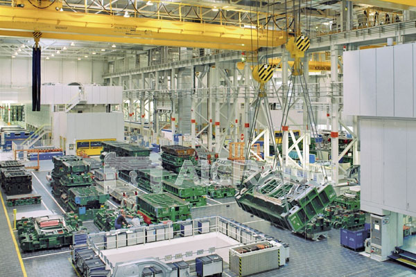 automotive-industries-use-overhead-crane-1