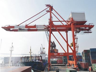 ship-to-shore-container-crane02