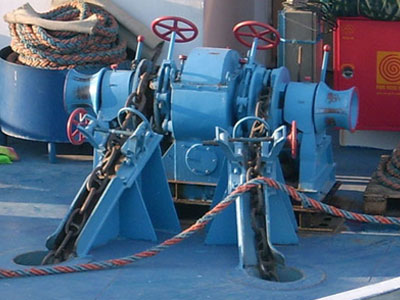 anchor-winch-for-ship